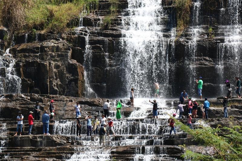 Khám phá địa điểm du lịch nổi tiếng Thác Pongour ở Đà Lạt, giá vé hướng dẫn đường đi, các địa điểm vui chơi